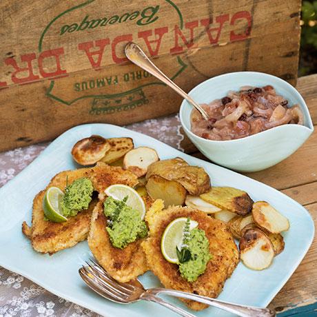 kycklingschnitzel-med-artkram-och-appelchutney